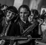 kamarádky nejen ve zbrani